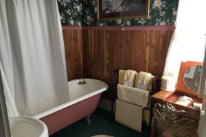 claw foot bathtub, bathroom furnishings | The Hartland Inn | New Meadows, ID