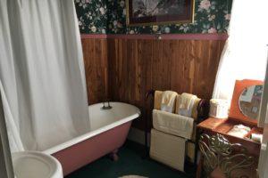 claw foot bathtub, bathroom furnishings | The Hartland Inn | New Meadows, ID