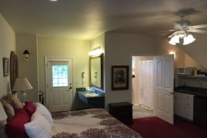 king suite, carriage house, spacious