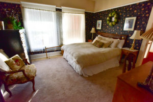 spacious, king sized bed, large windows | The Hartland Inn | New Meadows, ID