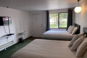 Motel Rooms - The Hartland Inn