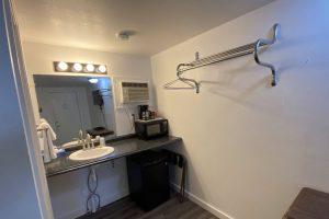 Motel Rooms - The Hartland Inn
